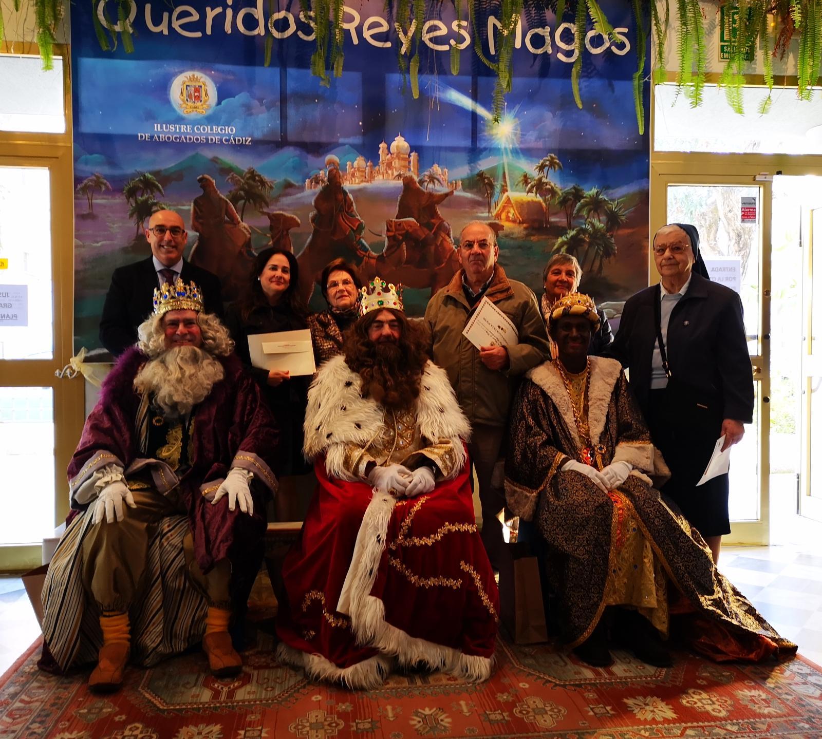 Los Reyes Magos Visitan El ICA Cádiz Y Entregan Un Donativo A Entidades Sociales