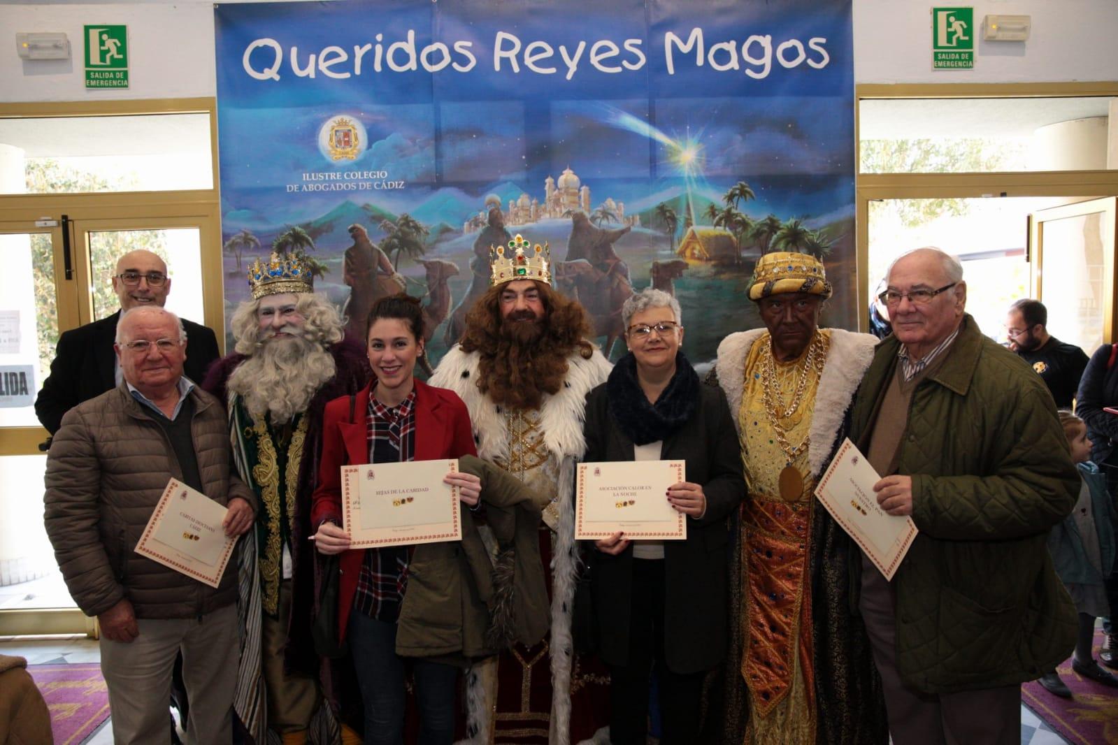 Los Reyes Magos Llenan De Ilusión El Colegio De Abogados Y Entregan El Donativo Simbólico De ICA A Entidades Sociales